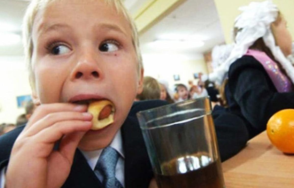 В Тверской области продлили бесплатное питание для детей из малообеспеченных семей - новости Афанасий