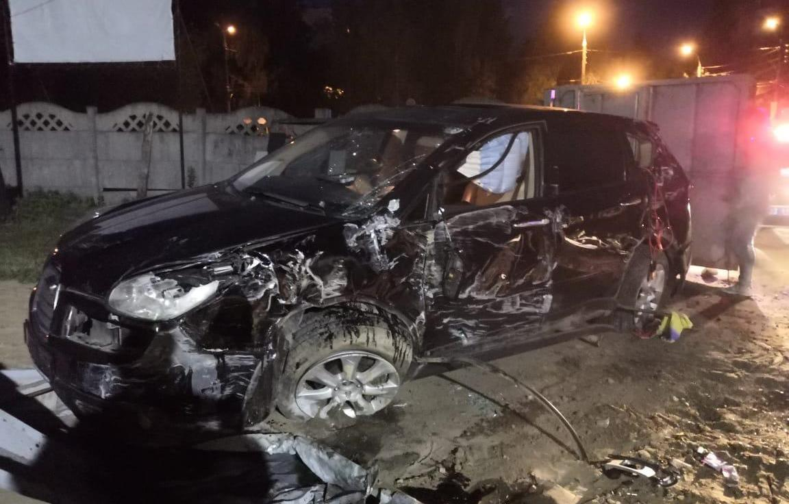 В Твери Subaru сломал поклонный крест и влетел в забор храма Неупиваемая чаша