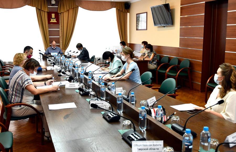 Социальный комитет ЗС рассмотрел ход реализации закона о молодежной политике - новости Афанасий