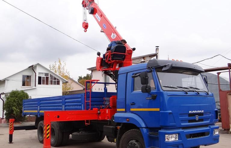 ВТБ Лизинг передал машины КАМАЗ на 59 млн руб. грузоперевозчику в Санкт-Петербурге - новости Афанасий