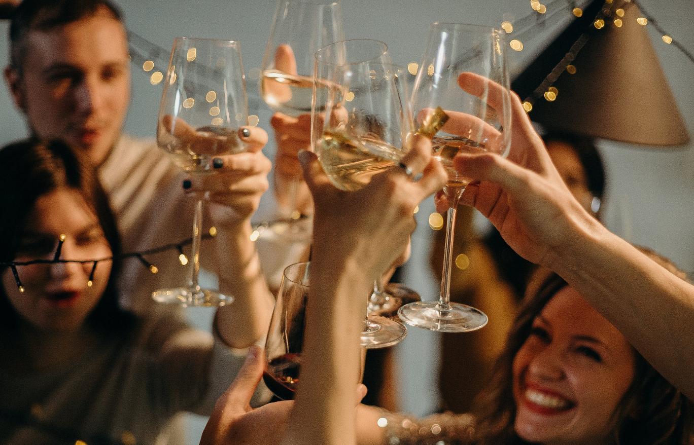 Роскачество назвало лучшее отечественное шампанское - новости Афанасий