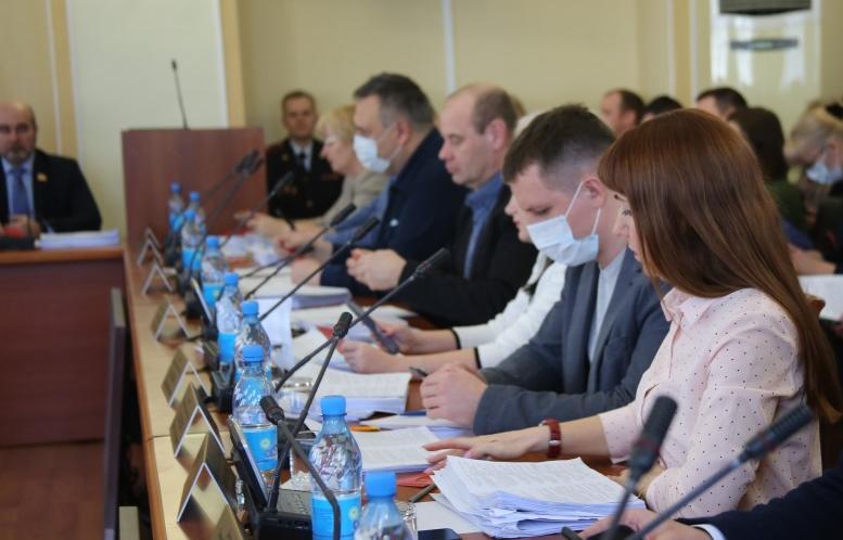 Принятие изменений в бюджет и оживленные дискуссии: состоялось 65 внеочередное заседание Тверской городской Думы - новости Афанасий