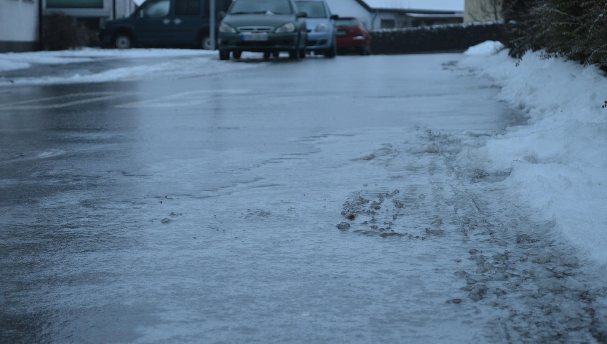 Директора УК в поселке Эммаусс под Тверью оштрафовали за лед и колеи во дворах