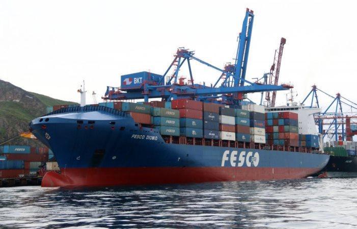 ВТБ Лизинг и FESCO заключили сделку sale-leaseback контейнеровоза - новости Афанасий
