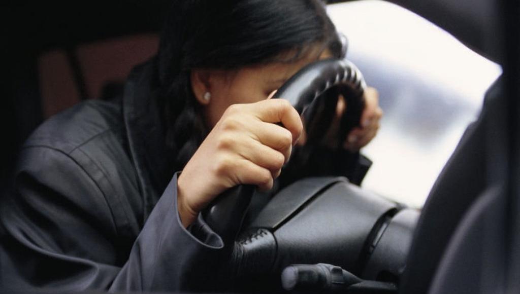 В Тверской области осуждена женщина, поцарапавшая чужую машину и чуть не задавившая водителя - новости Афанасий