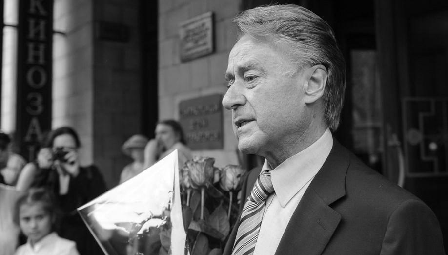 В День памяти поэта Андрея Дементьева в Тверской области будут читать стихи у открытых микрофонов