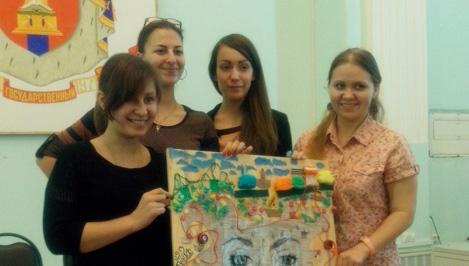 Тверские студенты создали композиции из мусора на тему «Мир моими глазами»