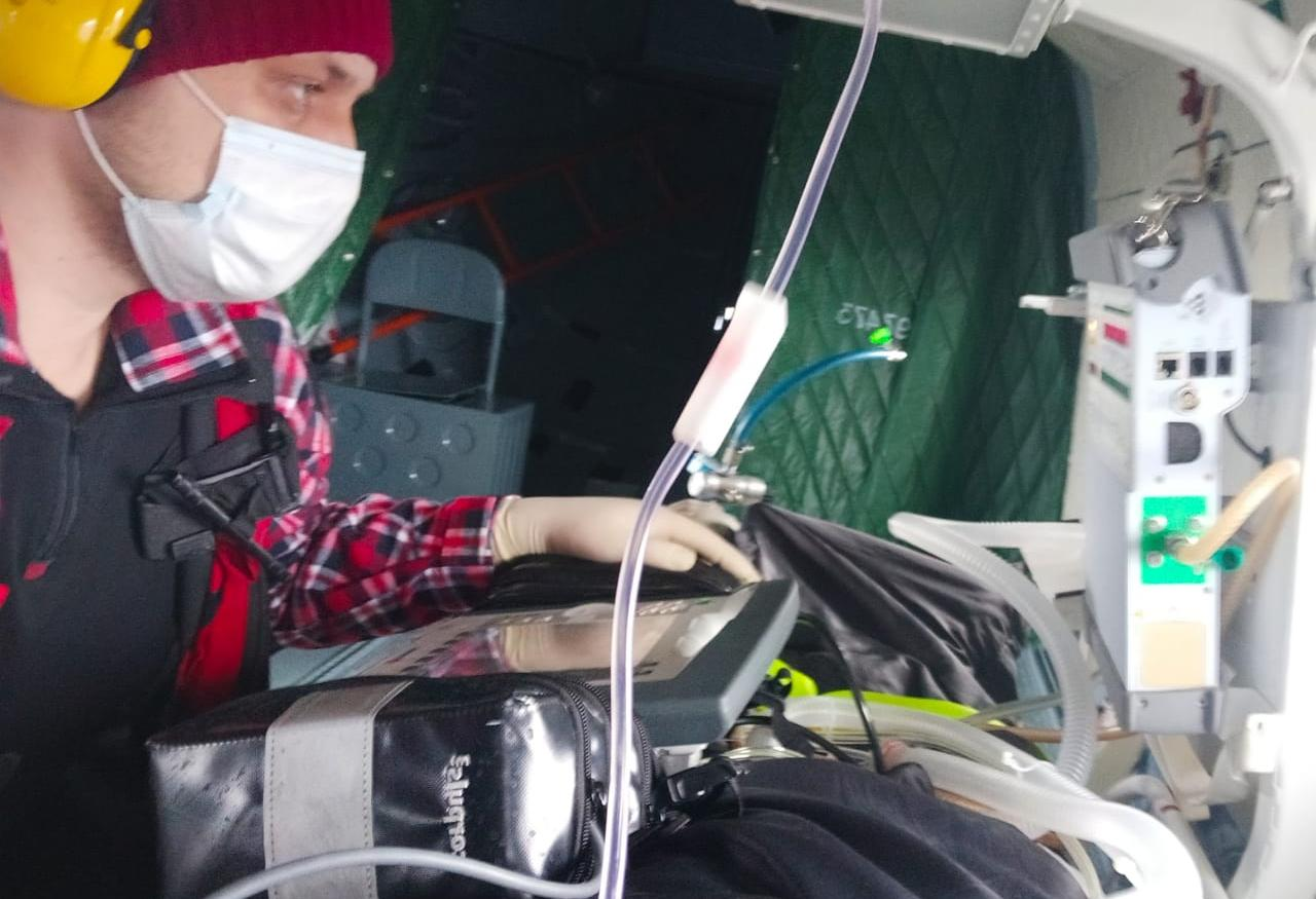 Тверские врачи за один день на вертолетах вылетали в два района области и Петербург