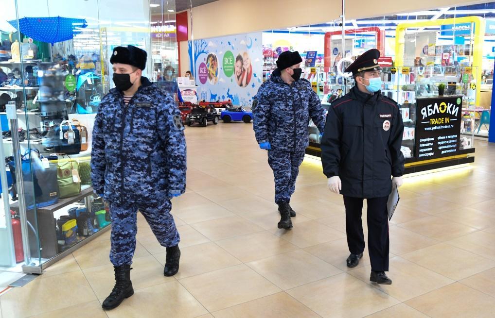 В Твери проверили соблюдение масочного режима в крупнейшем ТЦ - новости Афанасий