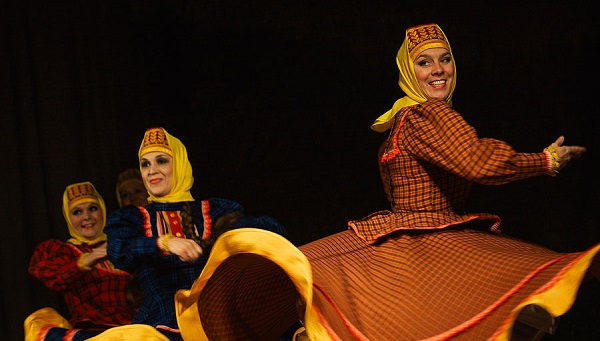 «Я родом из танцев!». Первый фестиваль русских народных традиций «Комаровские встречи» прошел в Твери