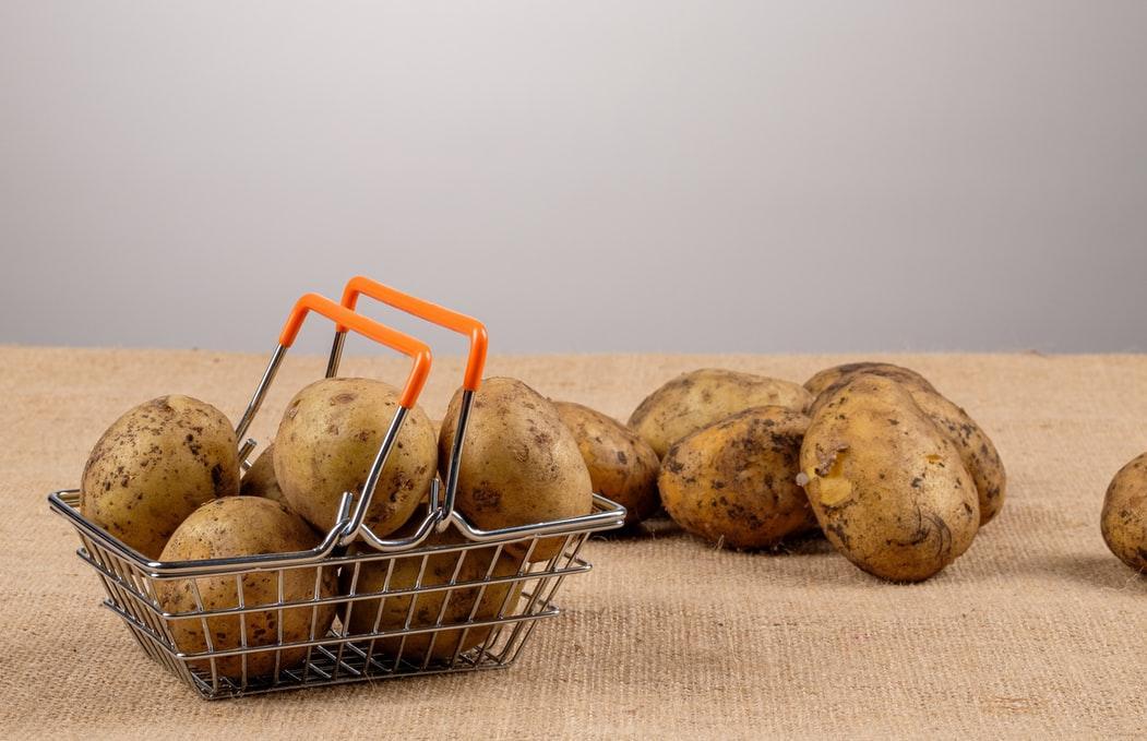 Картофель и еще два десятка продуктов дорожают в Тверской области  - новости Афанасий
