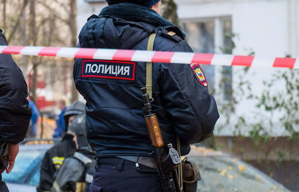 15-летняя девочка погибла, выпав из окна в Ржеве Тверской области