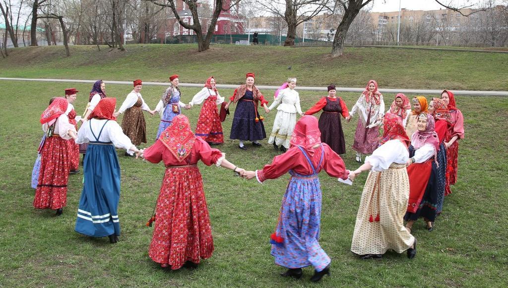 В Твери откроется выставка традиционного костюма московской студии «Русские начала»