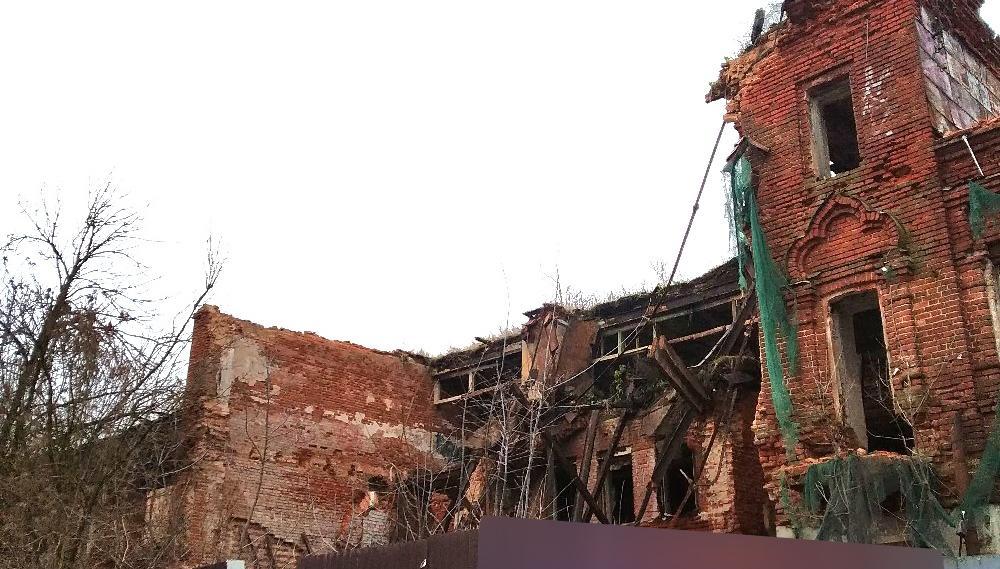 Обрушившийся Гостиный двор в Кимрах забрали из частной собственности и ищут инвестора