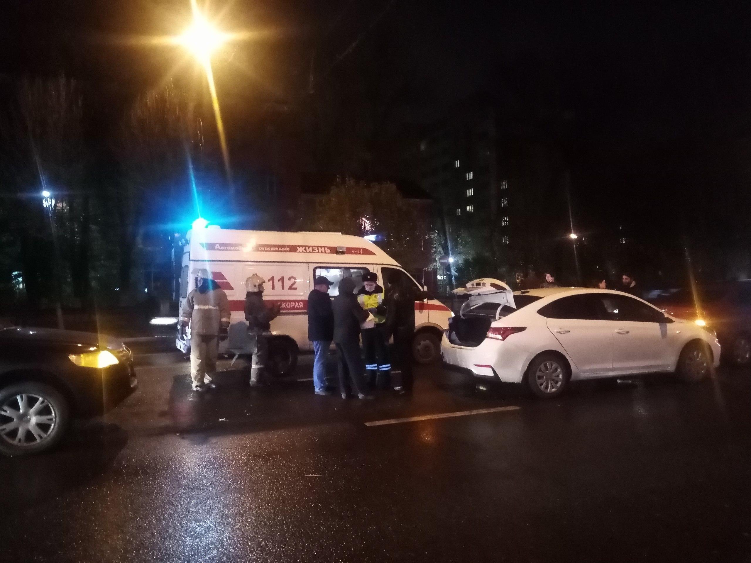 В столкновении трех легковушек в Твери пострадал один человек - новости Афанасий