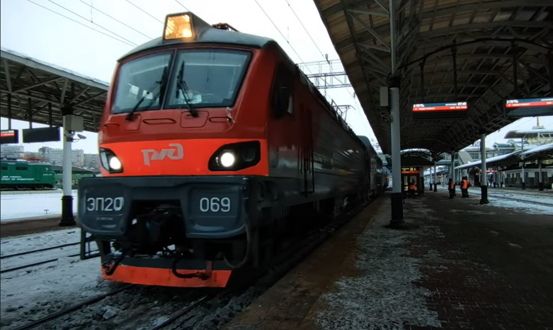 На маршруте от Твери до Иркутска испытывают поезд с двухэтажными вагонами - новости Афанасий