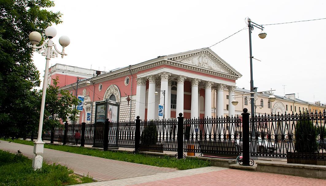 Горсад в Твери хотят оставить без забора ради туристов и парковок