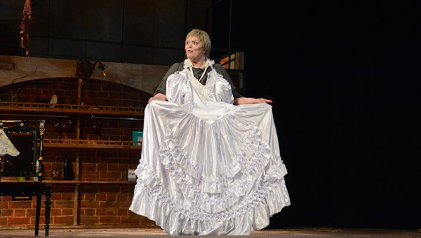 Орудие представления. В тверском драмтеатре прошла премьера спектакля «Дорогая Памела, или Как пришить старушку»
