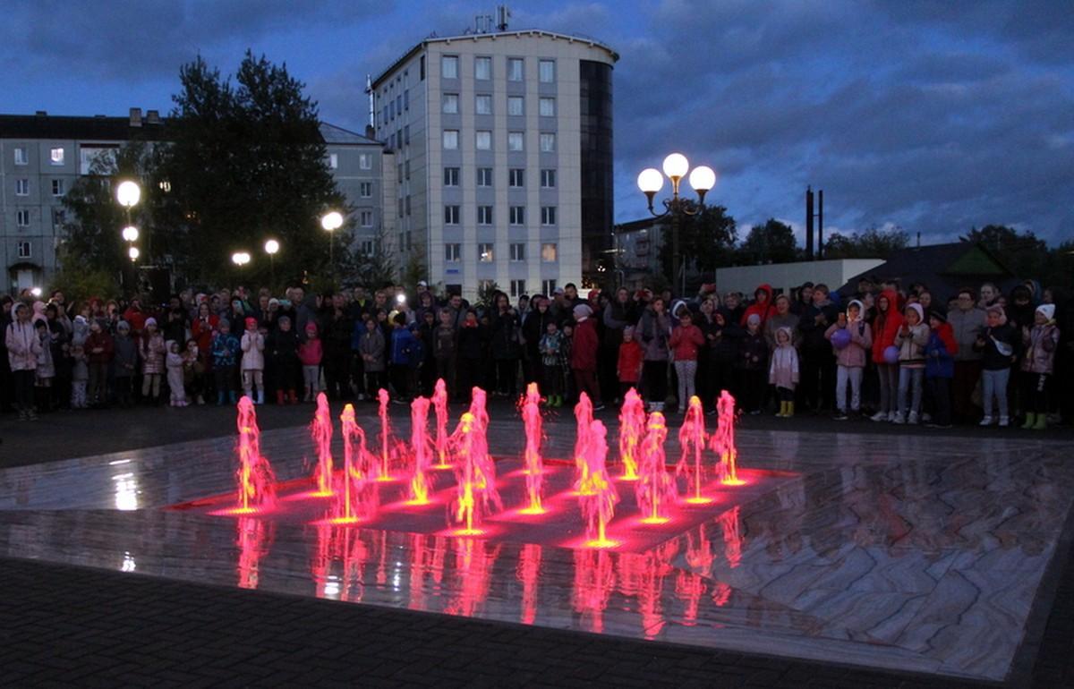 В Старице Тверской области открыли светомузыкальный фонтан - новости Афанасий