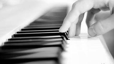 Наш земляк Евгений Соколовский сыграет в Твери «Новую фортепианную музыку»