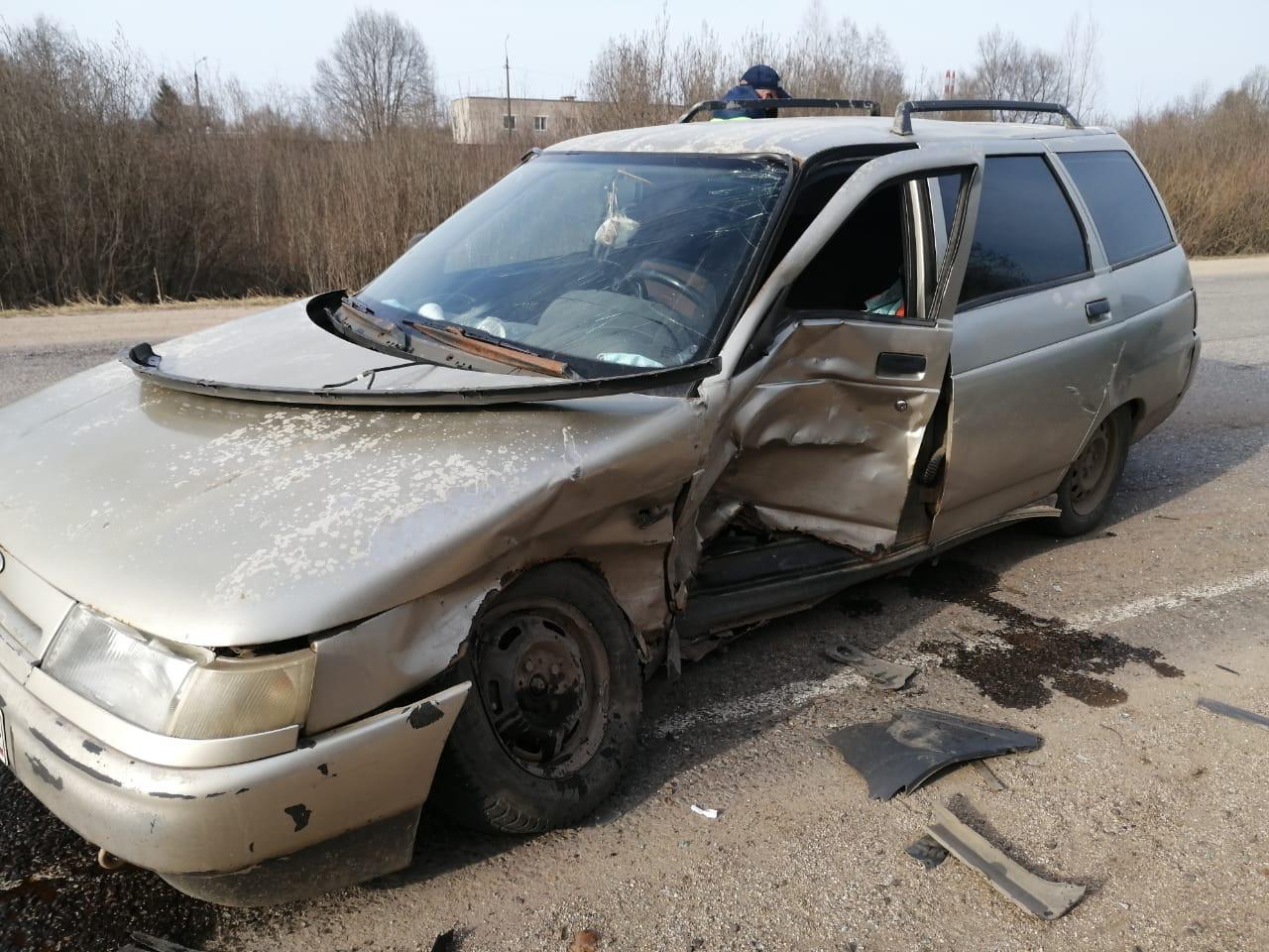 Мужчина и 10-летняя девочка пострадали в ДТП с двумя легковушками в Тверской области - новости Афанасий