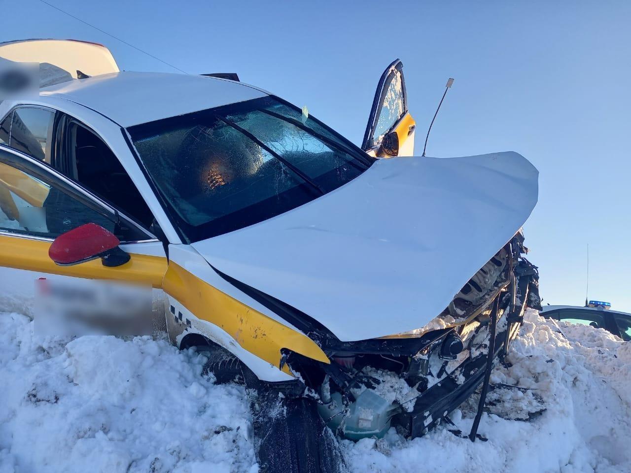 На трассе под Тверью по вине пьяного таксиста травмы в ДТП получили два человека - новости Афанасий