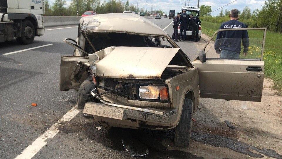 Под Тверью на М10 водитель «четверки» потерял сознание и протаранил столб - новости Афанасий