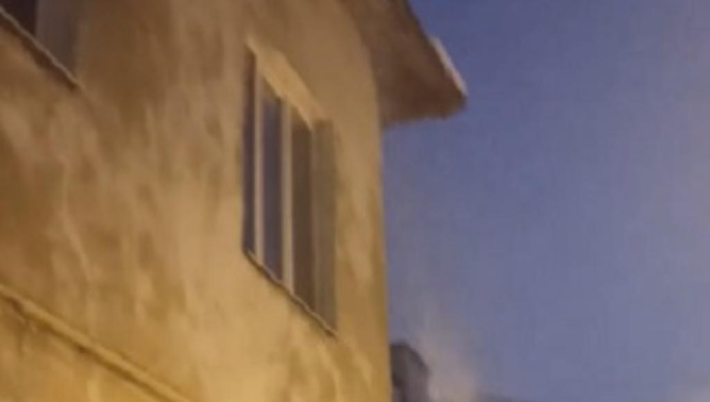 В Твери с крыши дома пять часов лил кипяток - новости Афанасий