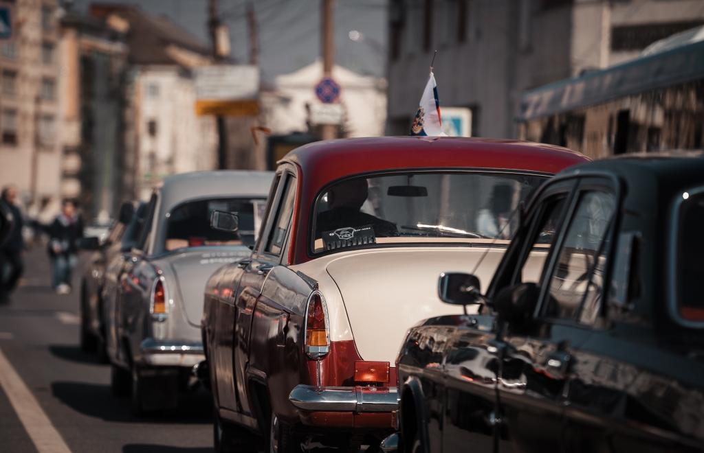 В Твери прошел пробег ретроавтомобилей в честь 60-летия полета Юрия Гагарина в космос - новости Афанасий