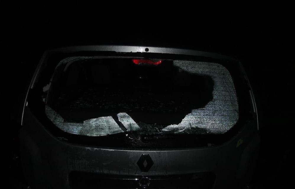 Ночью в Твери неизвестный разбил две машины и ударил свидетеля - новости Афанасий