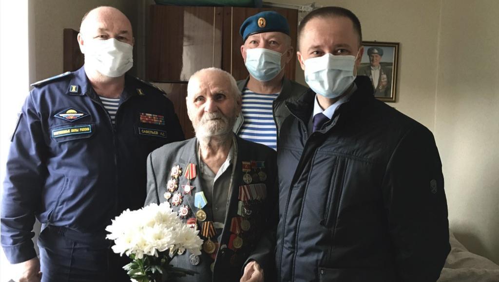 Тверского десантника-ветерана Великой Отечественной войны поздравили с 9 мая