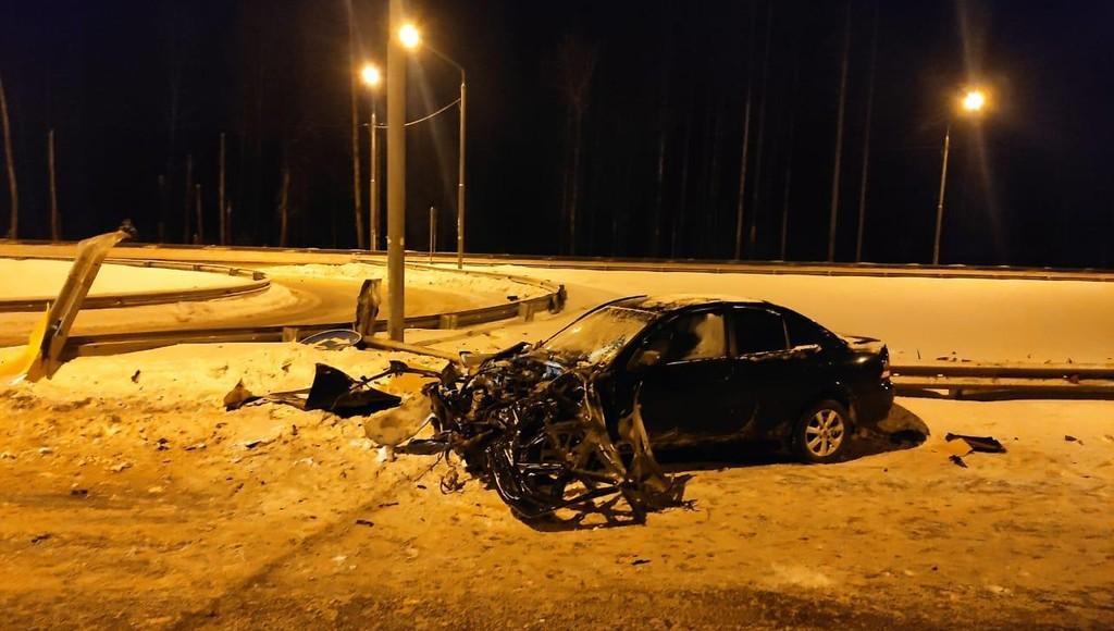 В ДТП на трассе М-10 в Тверской области пострадали два человека