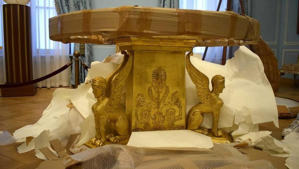 В Тверском императорском дворце можно увидеть стол Наполеона после реставрации - новости Афанасий