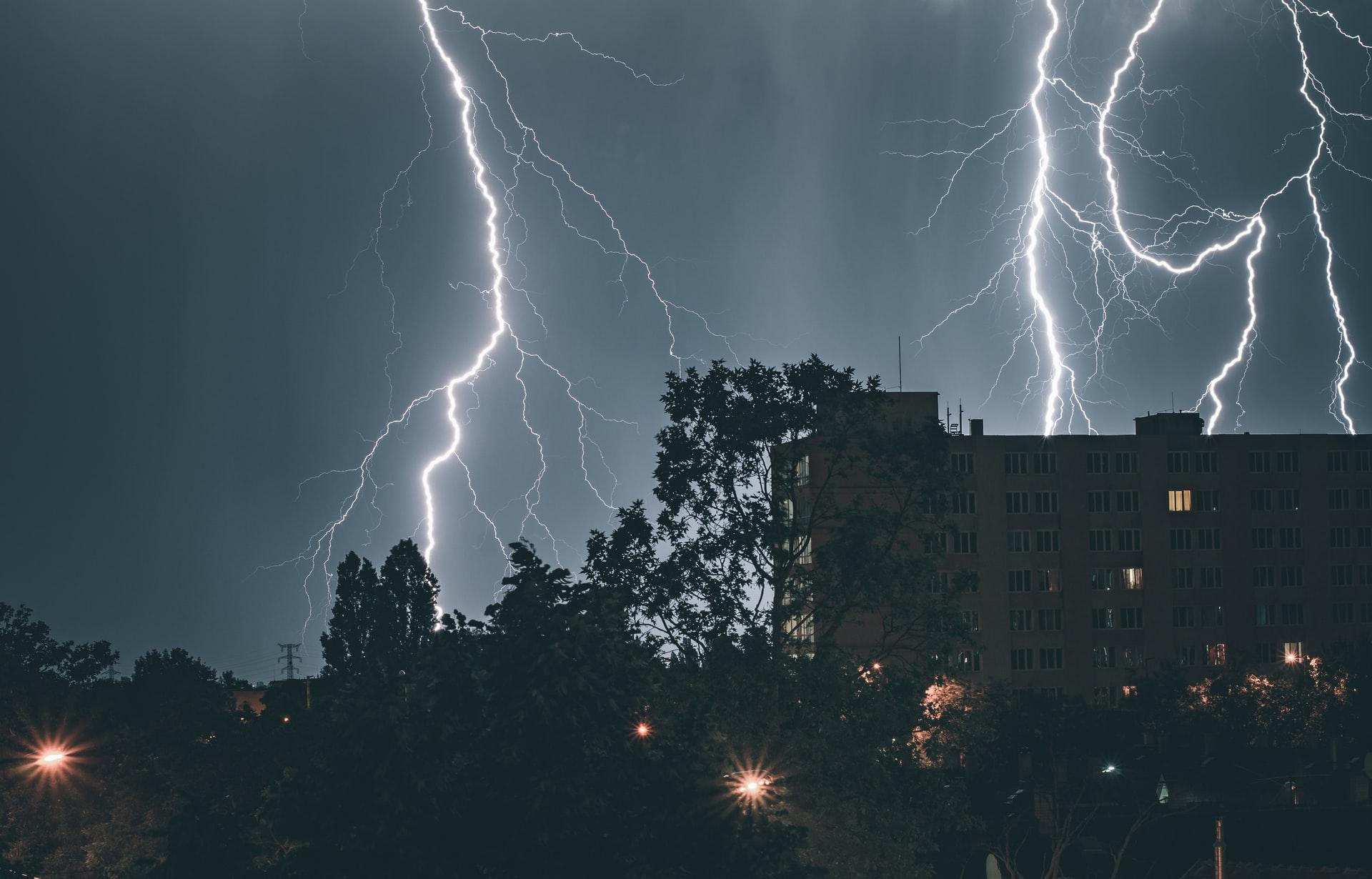 В Тверской области ожидается гроза и усиление ветра