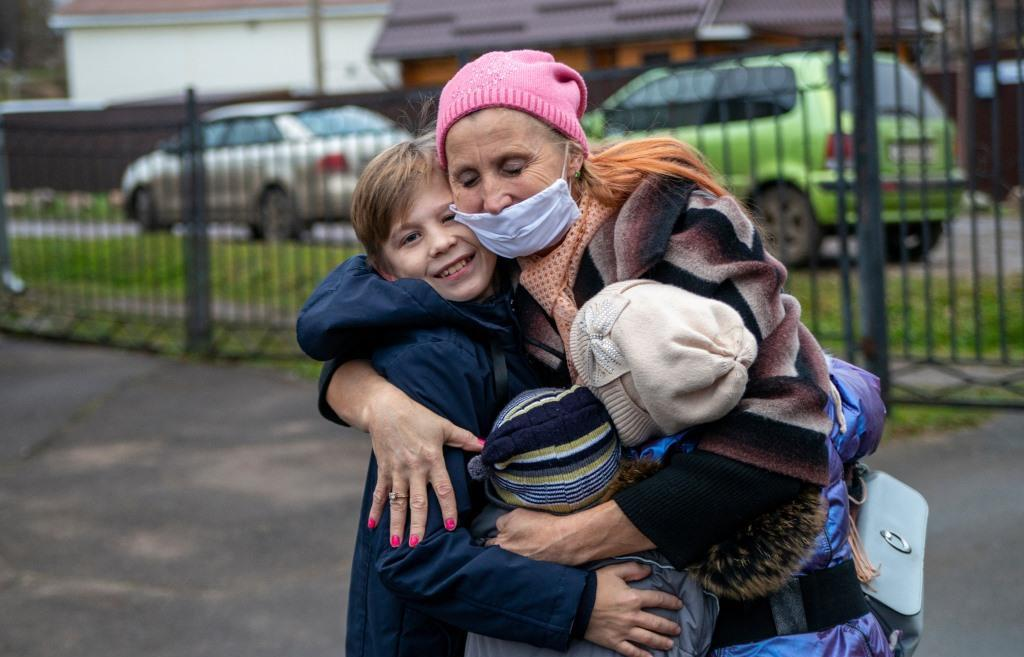Семье беженцев с Украины в Тверской области помогли сохранить детей и обрести дом - новости Афанасий