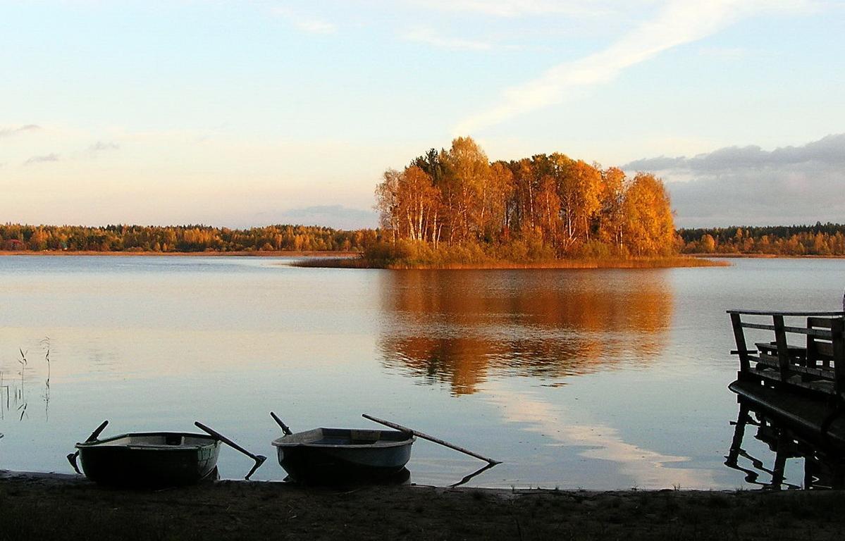 Озеро Селигер туристы считают красивым, но до лидеров топ-10 ему далеко - новости Афанасий
