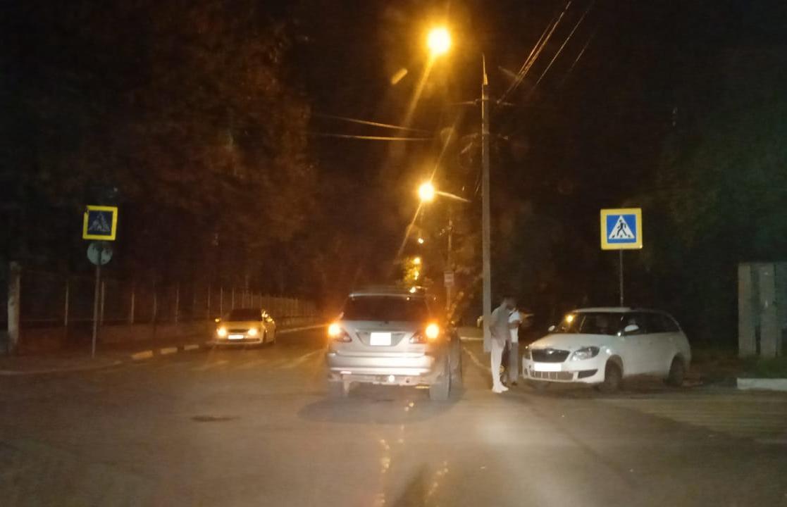 Skoda и Lexus столкнулись в Твери, есть пострадавшие - новости Афанасий