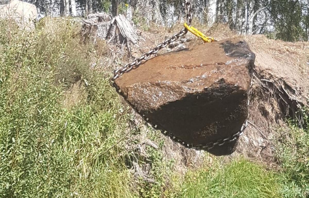 Реку Тьму в Тверской области чуть не погубил завал из огромных камней - новости Афанасий