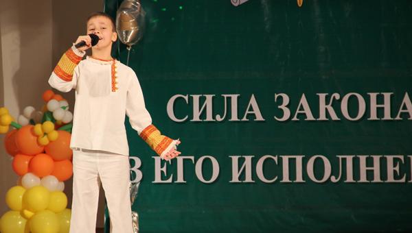 Мальчик из Твери станет участником концерта в Москве в честь 70-летия Победы