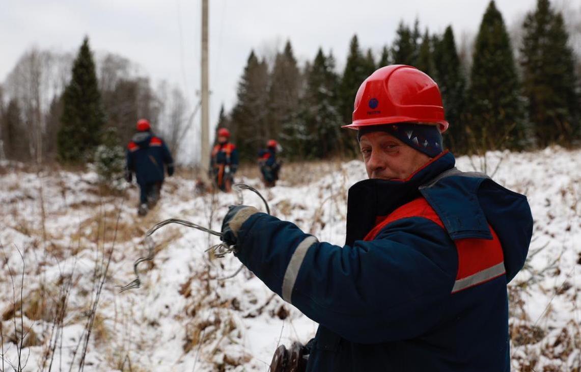 Энергетики тверского филиала «Россети Центр» восстановили электроснабжение в крупных населенных пунктах   - новости Афанасий