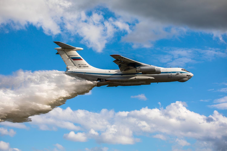Под Тверью экипажи Ил-76 тренировались тушить природные пожары с минимальной высоты - новости Афанасий