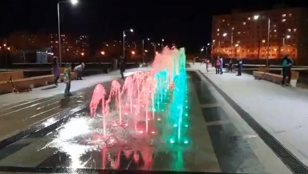 В Твери в сквере на улице Можайского протестировали новый фонтан