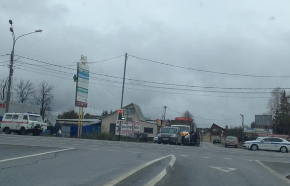 Автомобиль скорой помощи попал в ДТП на трассе М10 под Тверью - новости Афанасий