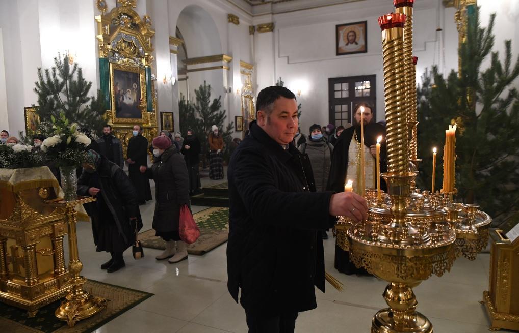 Игорь Руденя на Крещение побывал в Нило-Столобенской пустыни - новости Афанасий
