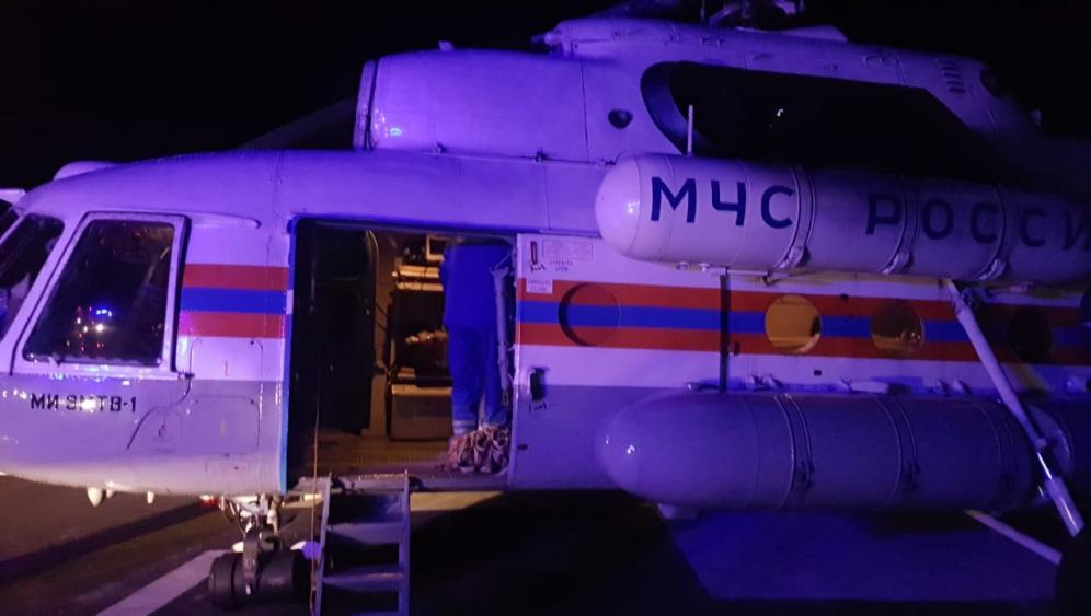 Вертолет МЧС доставил в Тверь тяжелобольного ребенка