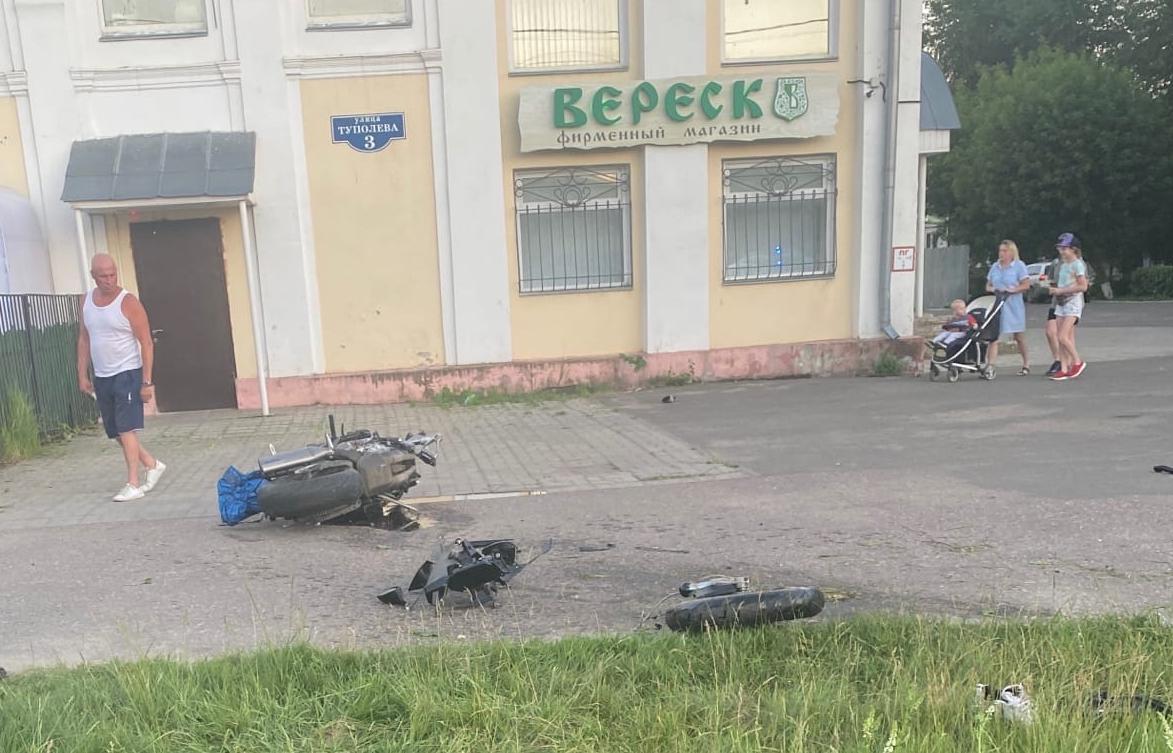 Погибли двое: подробности страшного ДТП в Твери