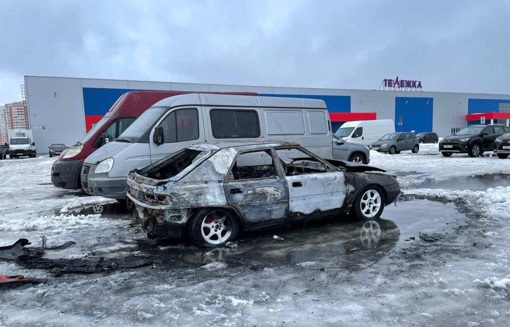 В Твери в микрорайоне Мамулино сгорел очередной автомобиль - новости Афанасий