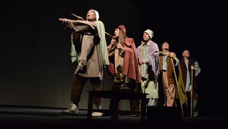 Премьера в темноте — драматический театр представил «Черную комедию»