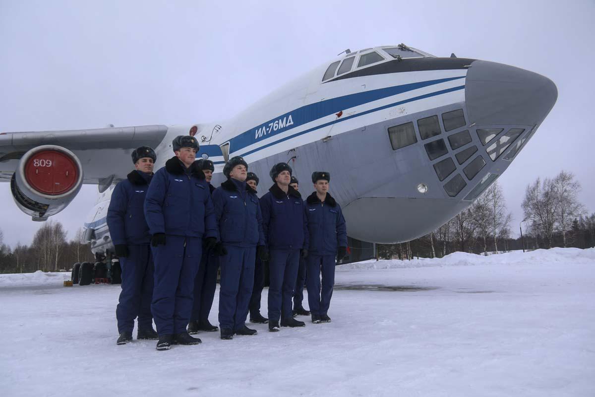 В Твери курсанты Военно-воздушной академии изучали особенности тяжелых Ил-76 - новости Афанасий