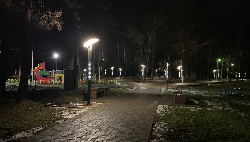 В городском саду в Кашине Тверской области зажглись новые фонари - новости Афанасий